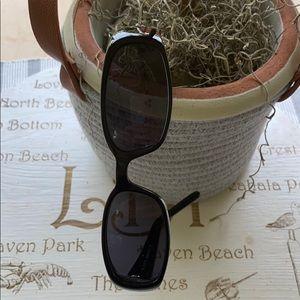 Gucci Accessories - 💯 GUCCI BLACK SUNGLASS W CASE HOLDER❤️ COOL!!😎